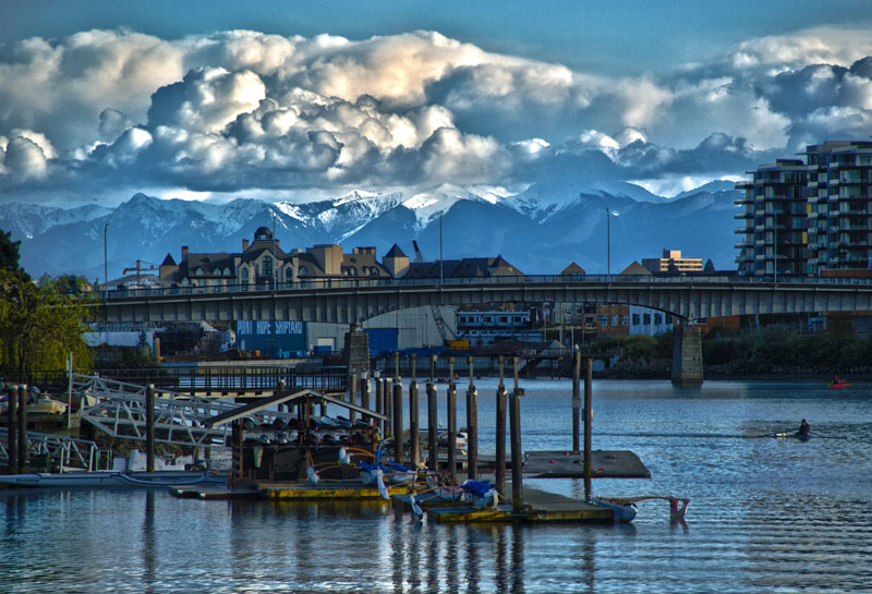 pic-web-bay-st-bridge-and-mts